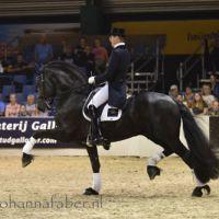 peter spahn met djorn van de demro stables 4225